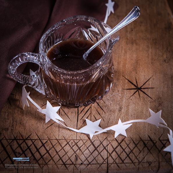Mit diesem Lebkuchensirup verzauberst Du jedes winterliche Getränk.
