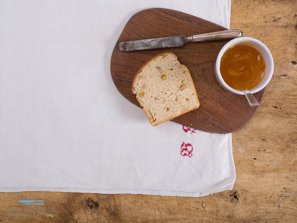 Birnen-Pistazien-Brot
