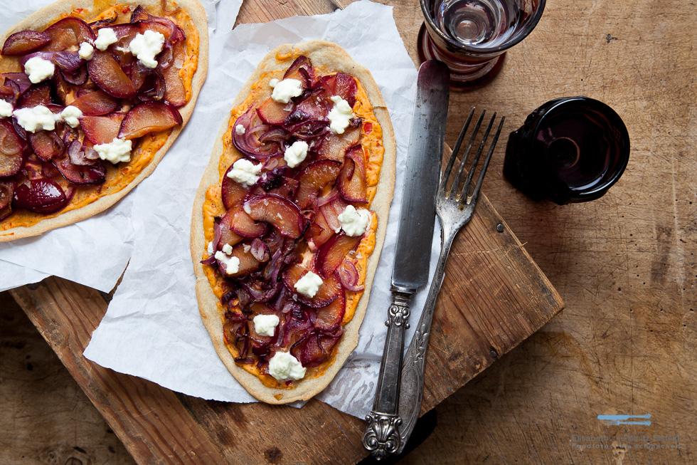 Zwiebel-Pflaumen-Pizza
