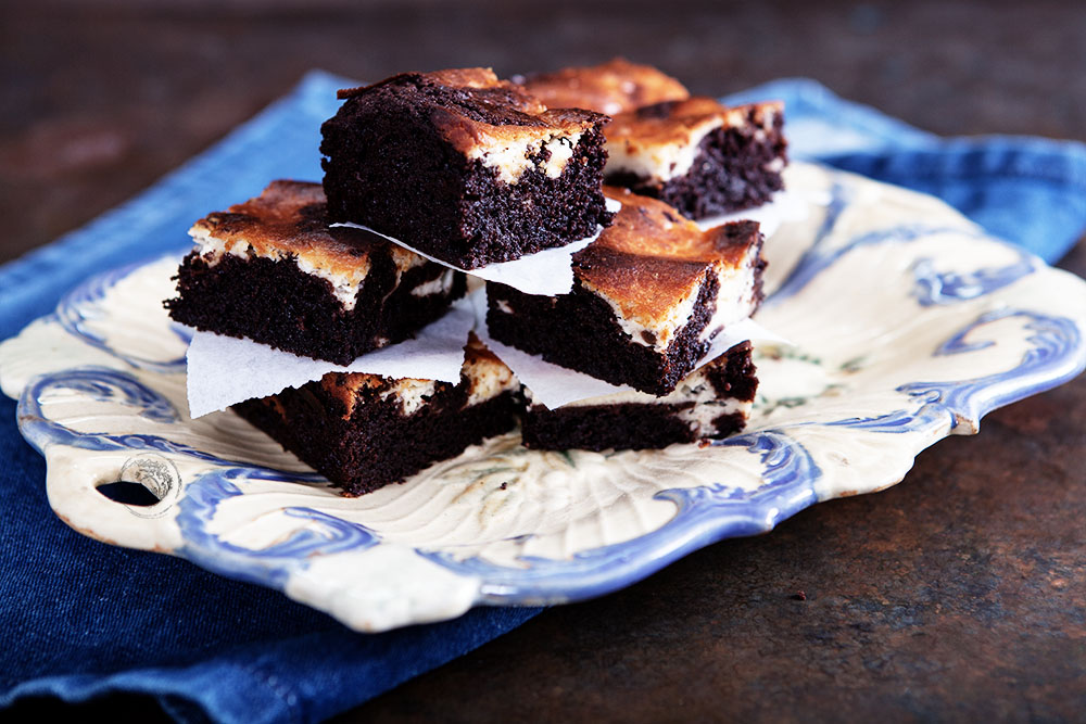 Cheesecake-Brownies Mit Kirschkompott