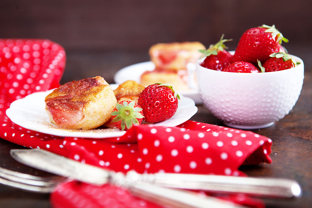 Erdbeer-Maisgrieß-Schnitten