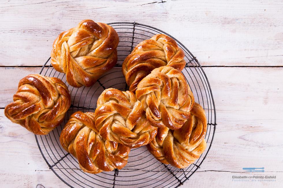 Kardamon Knoten — Perfekt Zum Sonntagmorgenkaffee