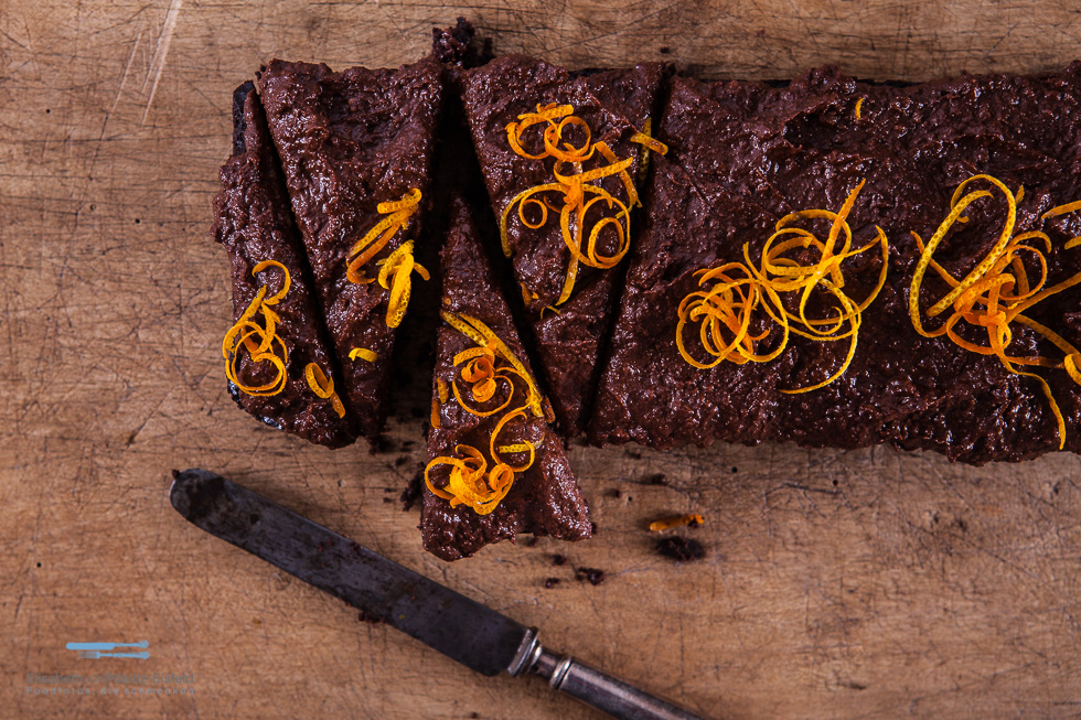 Das Süßkartoffeltopping Mit Einem Hauch Von Orange Ist Die Krönung Für Die Leckeren Und Schokoladigen Brownies Aus Der Kastenform.