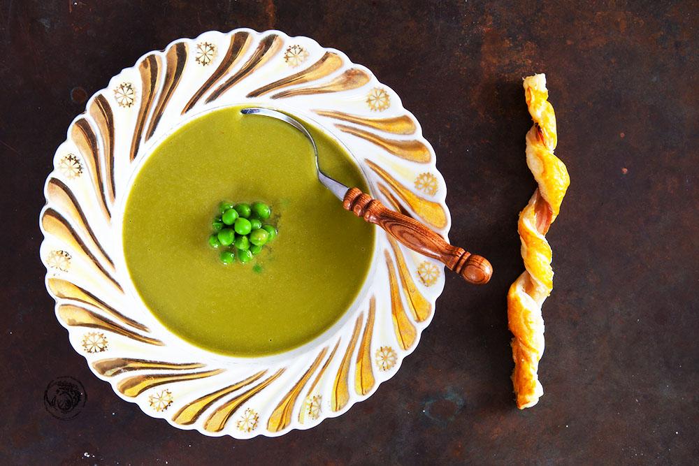 Erbsen-Matcha-Suppe